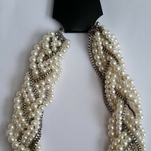 Jewelry - Faux Pearl and Chain Necklace